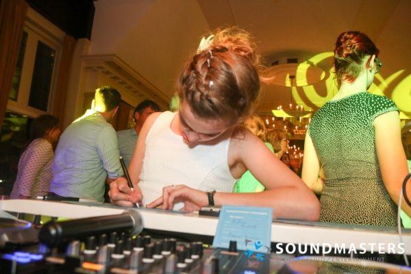 Esther & Rudolf - www.soundmasters.nl (48 van 182)