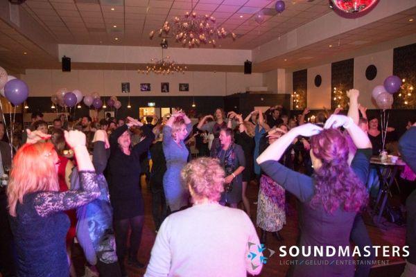 Joke & Jasmijn - www.soundmasters.nl-106