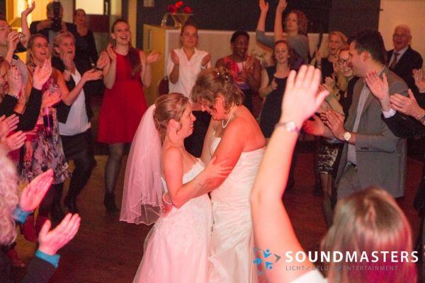 Joke & Jasmijn - www.soundmasters.nl-123