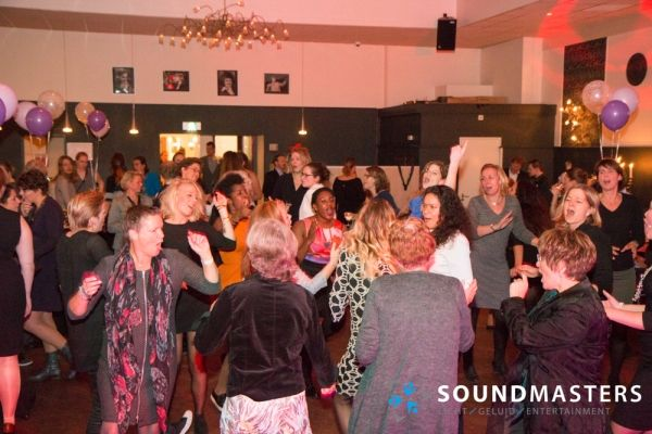 Joke & Jasmijn - www.soundmasters.nl-18