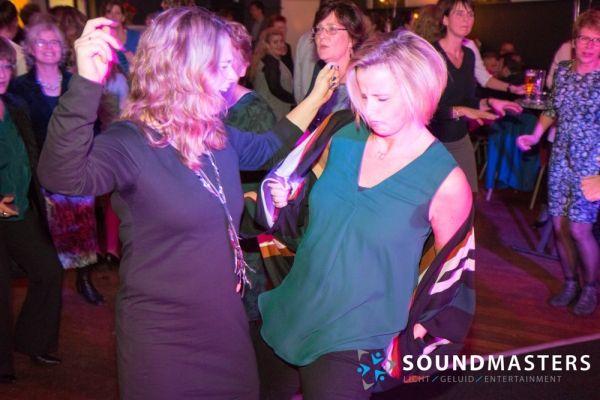 Joke & Jasmijn - www.soundmasters.nl-27