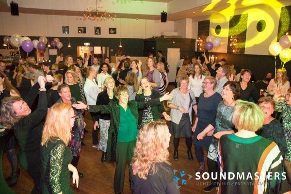Joke & Jasmijn - www.soundmasters.nl-31