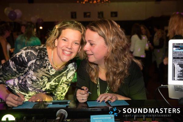 Joke & Jasmijn - www.soundmasters.nl-45